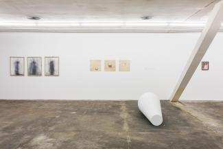 Loose Ends Don't Tie, Installation view